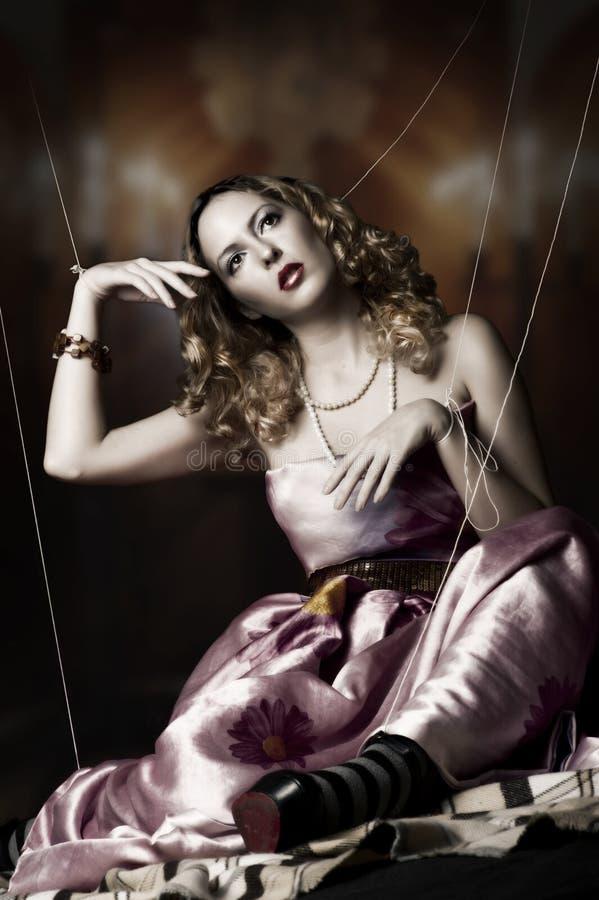 ξανθή γυναίκα πορτρέτου μόδας στοκ φωτογραφίες