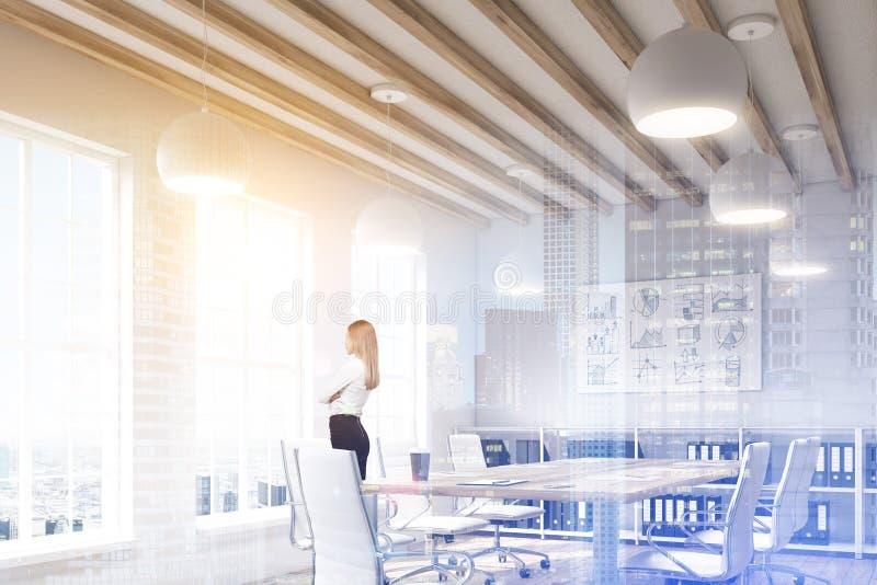 Ξανθή γυναίκα σε μια αίθουσα συνδιαλέξεων, διπλάσιο διανυσματική απεικόνιση