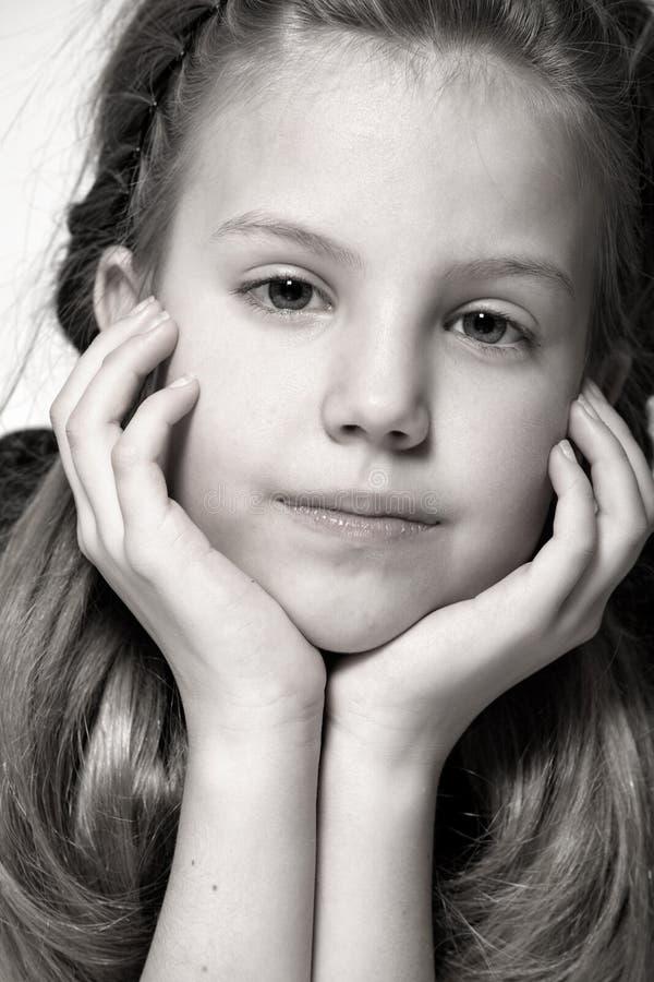 ξανθή σκέψη παιδιών στοκ φωτογραφίες