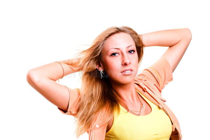 ξανθή όμορφη γυναίκα πορτρέ&tau στοκ φωτογραφία με δικαίωμα ελεύθερης χρήσης