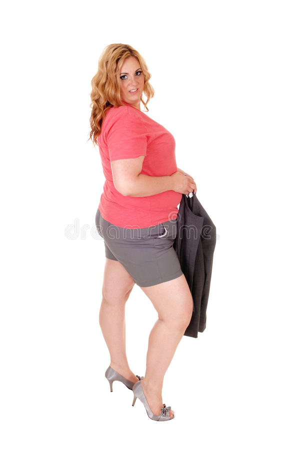 Ξανθός συν τη γυναίκα μεγέθους στα σορτς στοκ εικόνα με δικαίωμα ελεύθερης χρήσης