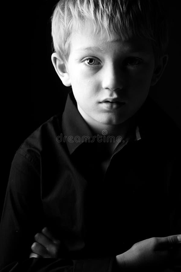 ξανθό αγόρι λυπημένο στοκ εικόνες