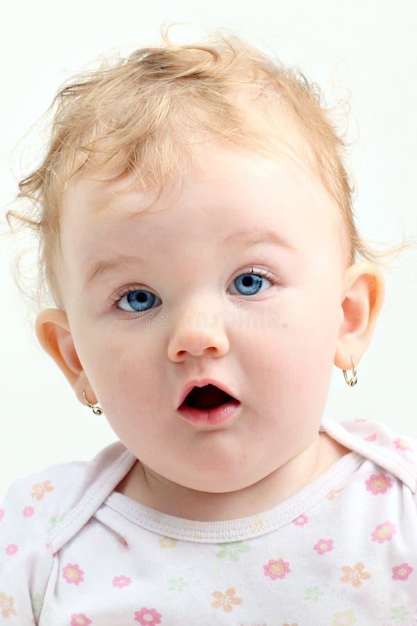 ξανθό μπλε σγουρό στόμα ματ στοκ φωτογραφία με δικαίωμα ελεύθερης χρήσης