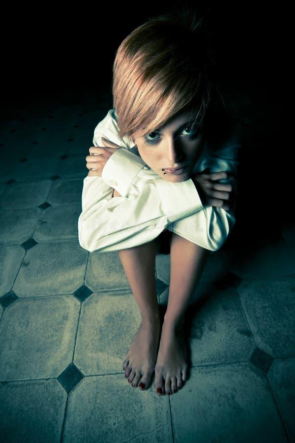 ξανθό σκοτάδι στοκ φωτογραφίες με δικαίωμα ελεύθερης χρήσης