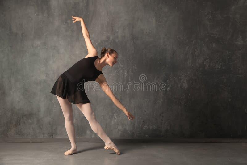 Ξανθό baterina γυναικών στοκ φωτογραφία με δικαίωμα ελεύθερης χρήσης