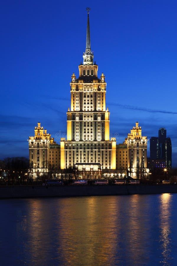 Download ξενοδοχείο στοκ εικόνα. εικόνα από ορόσημο, νύχτα, διάσημος - 17051127