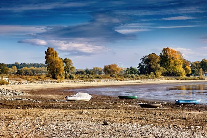 Ξηρασία ποταμών, βάρκες χωρίς νερό στοκ φωτογραφία με δικαίωμα ελεύθερης χρήσης