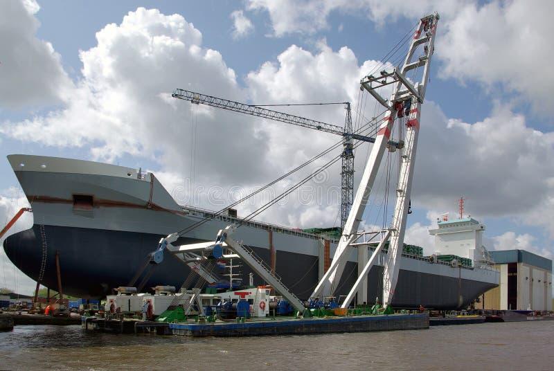 ξηρό σκάφος αποβαθρών φορτί στοκ φωτογραφίες