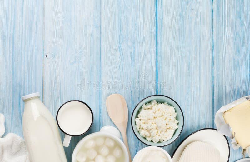 Ξινά κρέμα, γάλα, τυρί, γιαούρτι και βούτυρο στοκ εικόνες με δικαίωμα ελεύθερης χρήσης