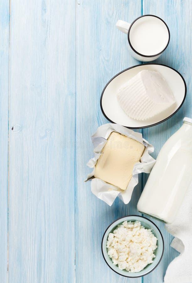 Ξινά κρέμα, γάλα, τυρί και γιαούρτι στοκ φωτογραφία