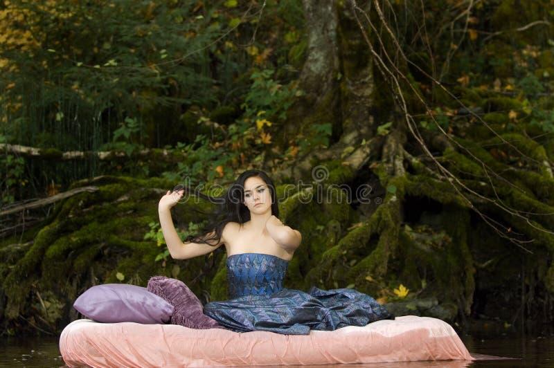 ξυπνά τις όμορφες νεολαί&epsilo στοκ φωτογραφίες με δικαίωμα ελεύθερης χρήσης