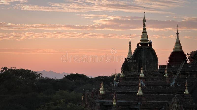 Ξυπνώντας ναοί Bagan στη Βιρμανία στοκ φωτογραφίες