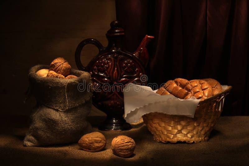 ξύλα καρυδιάς καρφιών στοκ φωτογραφία με δικαίωμα ελεύθερης χρήσης