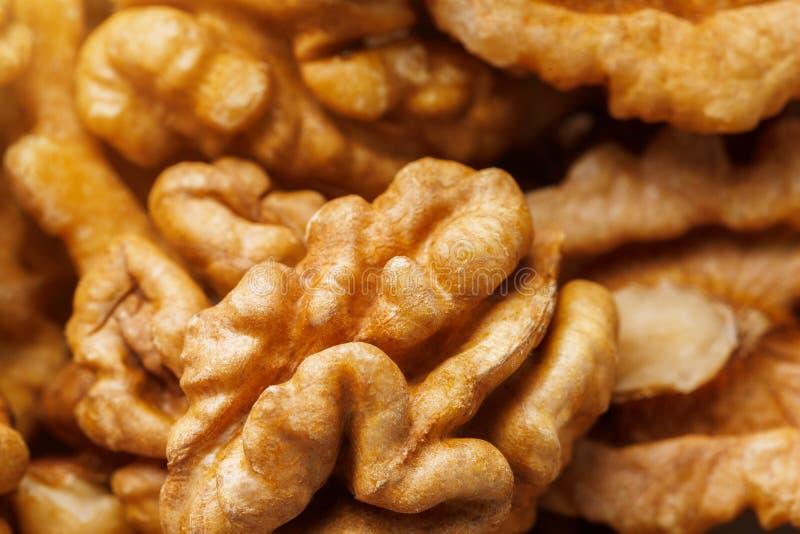 Ξύλα καρυδιάς που πωλούνται στην αγορά καρυκευμάτων Τα ξύλα καρυδιάς βοηθούν τη χαμηλότερη χοληστερόλη Τα καλά σιτάρια τρώνε υγιή στοκ φωτογραφία με δικαίωμα ελεύθερης χρήσης
