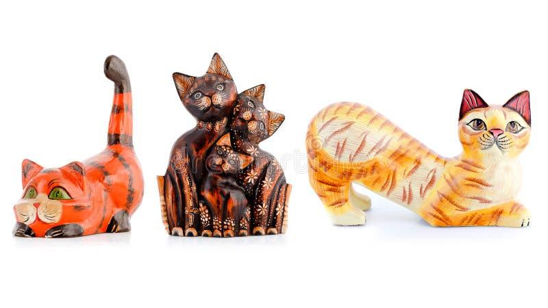 Ξύλινα ειδώλια, διακοσμητικά ειδώλια, γάτες, στοκ εικόνα