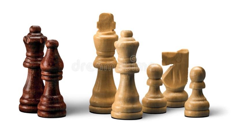 Ξύλινα κομμάτια σκακιού στο άσπρο υπόβαθρο στοκ εικόνες