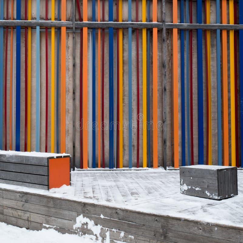 Ξύλινα slats που χρωματίζονται στα διαφορετικά χρώματα στοκ εικόνες με δικαίωμα ελεύθερης χρήσης