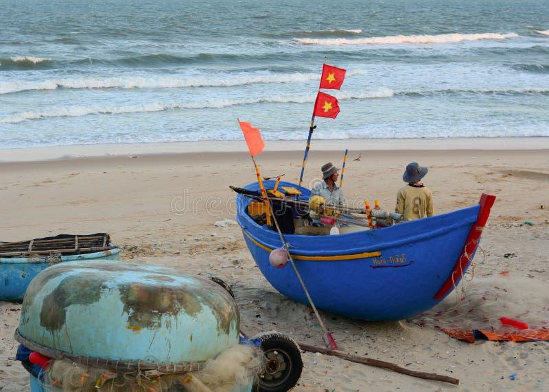 Ξύλινες βάρκες στην αλιεία της αποβάθρας στοκ φωτογραφίες