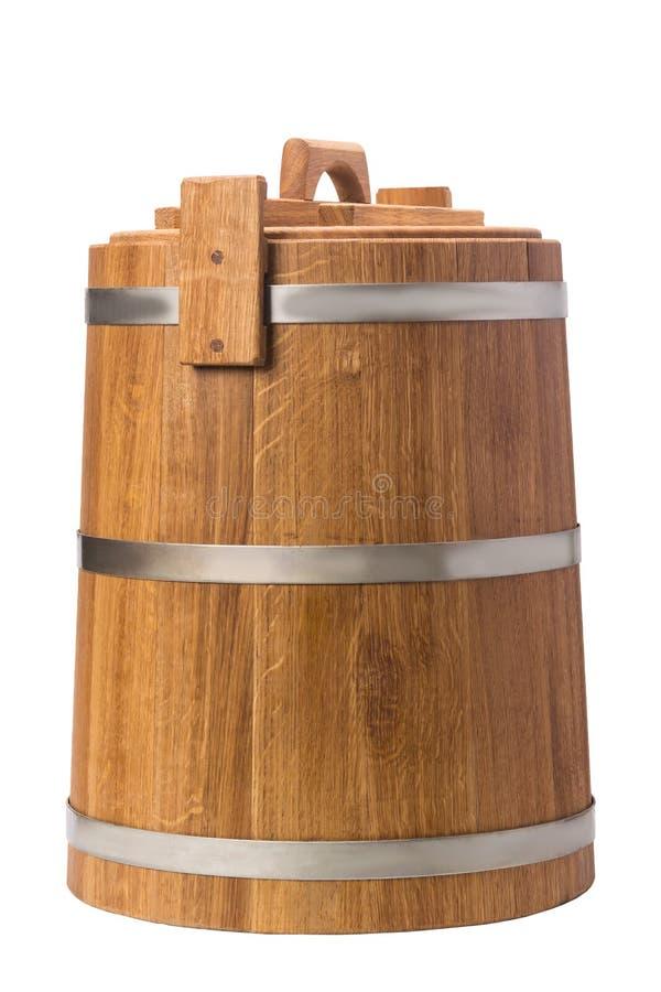 Ξύλινες σκάφες δρύινος-δέντρων για τα φυτικά τουρσιά στοκ φωτογραφία με δικαίωμα ελεύθερης χρήσης