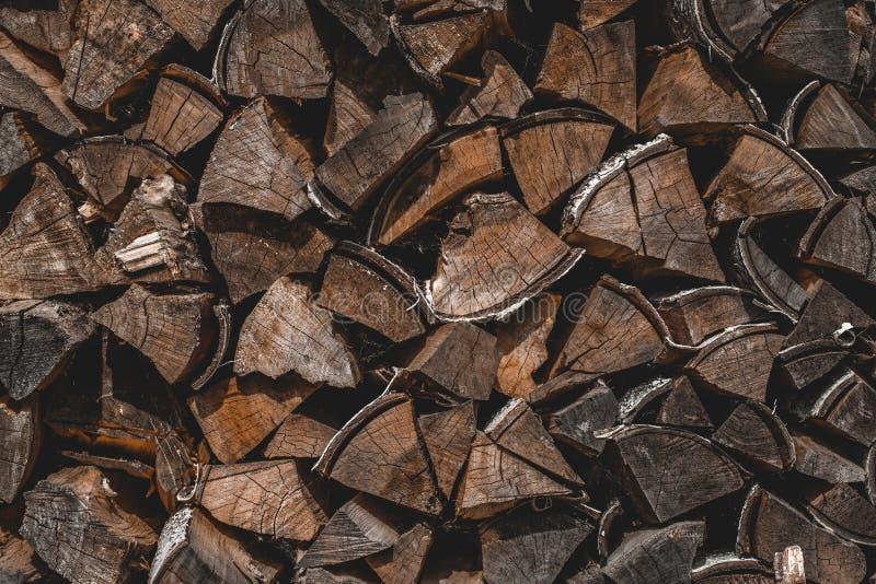 Ξύλινη σύσταση ή ξύλινο υπόβαθρο Παλαιά καφετιά φυσική ξύλινη σύσταση Σκοτεινό αφηρημένο ξύλινο υπόβαθρο Grunge Συσσωρευμένο καυσ στοκ εικόνες με δικαίωμα ελεύθερης χρήσης