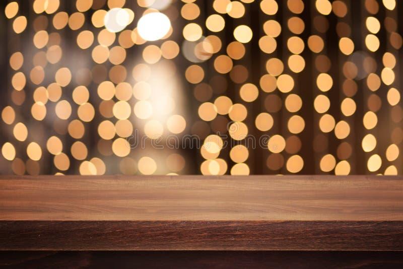 Ξύλινη ταμπλέτα στο αφηρημένο υπόβαθρο στοκ εικόνες με δικαίωμα ελεύθερης χρήσης