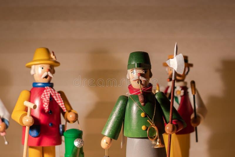 Ξύλινοι αριθμοί που στέκονται σε ένα ράφι Καρυοθραύστης, Χριστούγεννα, σύμβολο  στοκ φωτογραφία με δικαίωμα ελεύθερης χρήσης