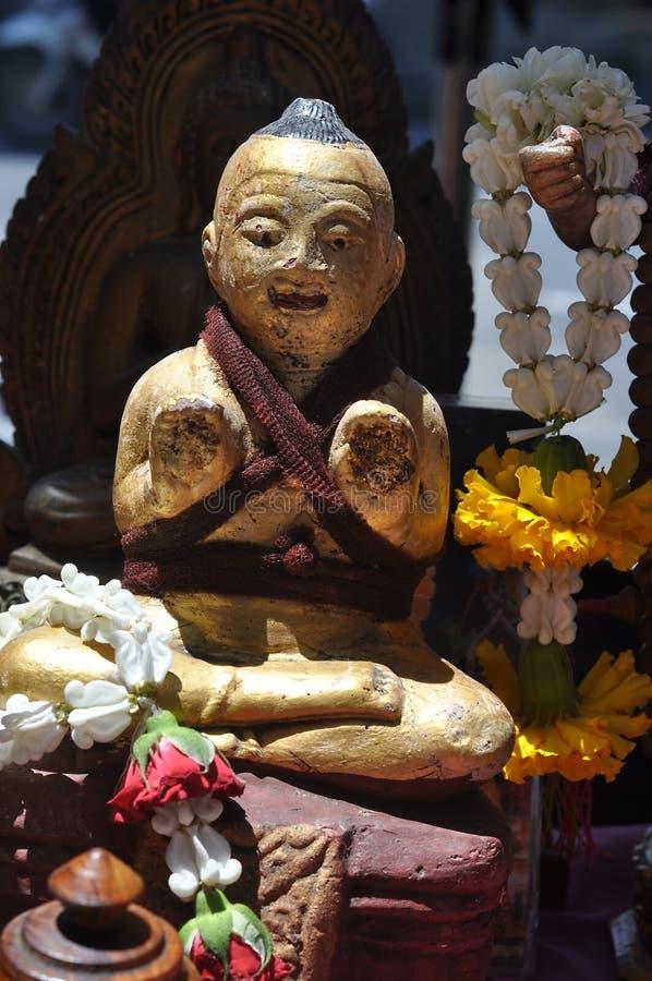 Ξύλινο άγαλμα κουκλών κατσικιών στοκ εικόνες