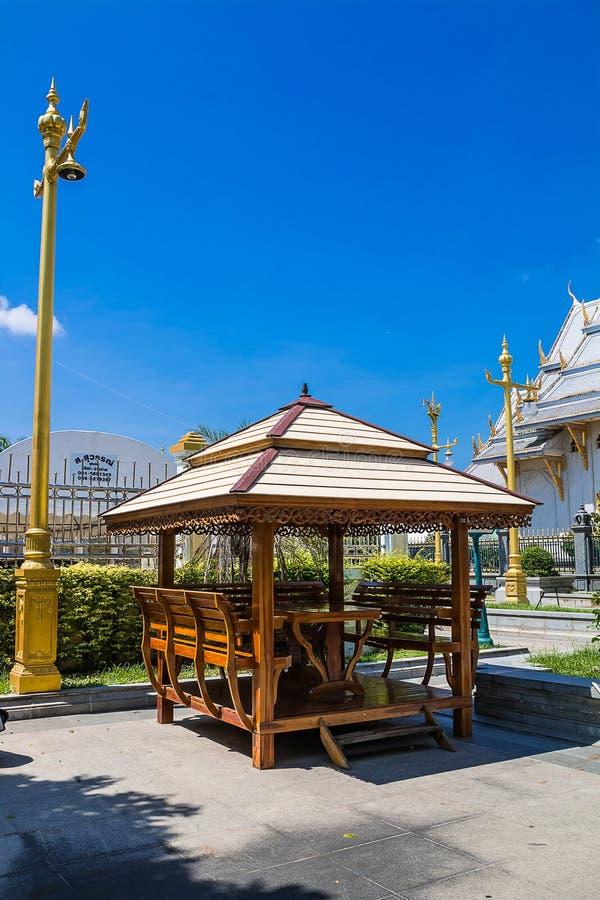 ξύλινο δημόσιο pavillion στο ναό στοκ εικόνες
