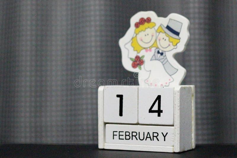 Ξύλινο ημερολόγιο φραγμών για την ημέρα βαλεντίνων ` s στοκ εικόνες με δικαίωμα ελεύθερης χρήσης