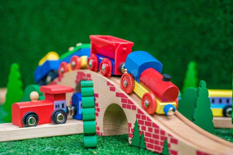 Ξύλινο τραίνο ως συνώνυμο για την υποδομή στοκ φωτογραφία με δικαίωμα ελεύθερης χρήσης