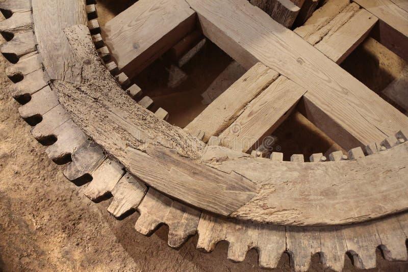 ξύλινο gearwheel στοκ εικόνα