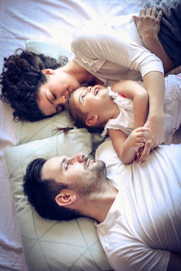 Ξύπνησε επάνω με την οικογένεια είναι καλύτερη έναρξη της ημέρας στοκ εικόνες