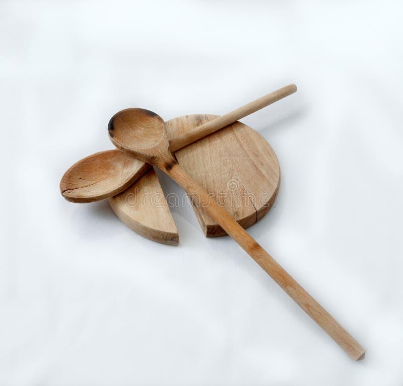 Ξύλινα εργαλεία cutboard και κουζινών στοκ εικόνα με δικαίωμα ελεύθερης χρήσης