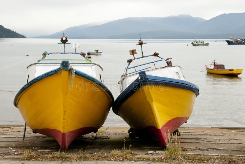 Ξύλινες βάρκες - Puerto Cisnes - Χιλή στοκ εικόνες