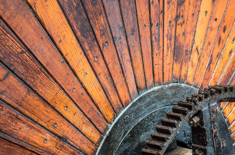 Ξύλινη βιομηχανική ρόδα στοκ φωτογραφίες
