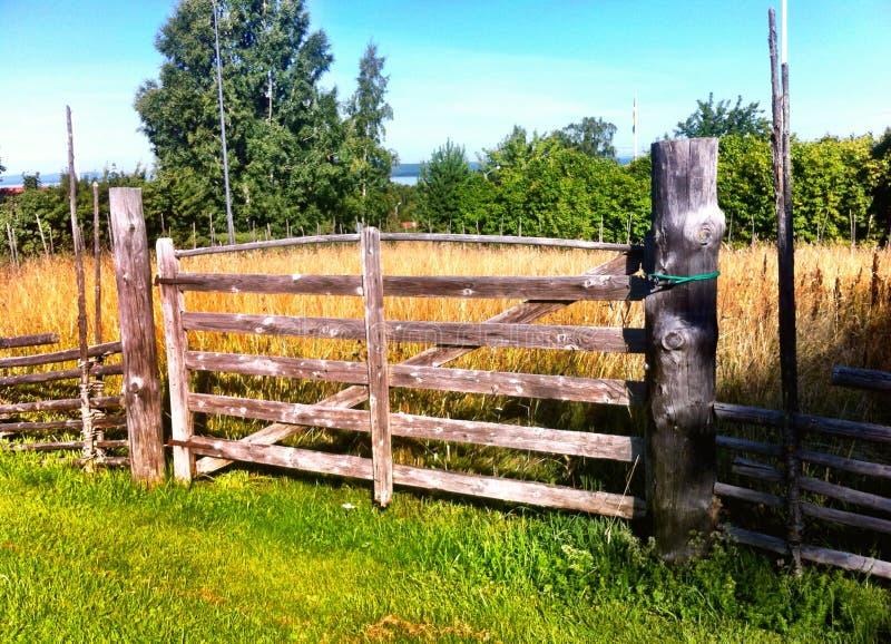 Ξύλινη πύλη στοκ εικόνες