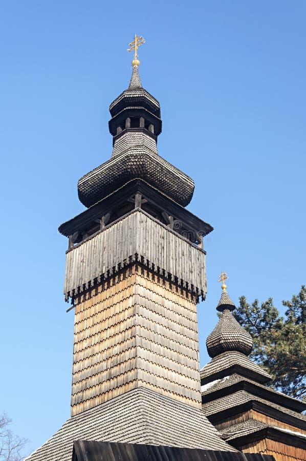 Ξύλινος πύργος κουδουνιών της παλαιάς ουκρανικής εκκλησίας στοκ εικόνα με δικαίωμα ελεύθερης χρήσης