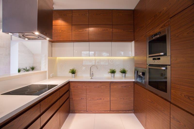 Ξύλινο γραφείο κουζινών στοκ φωτογραφίες