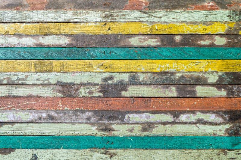 Ξύλινο εκλεκτής ποιότητας κίτρινο κόκκινο μπλε υποβάθρου στοκ φωτογραφία με δικαίωμα ελεύθερης χρήσης