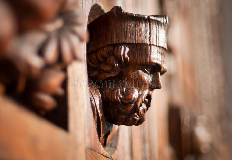 Ξύλινο κεφάλι στην πόρτα στοκ φωτογραφίες