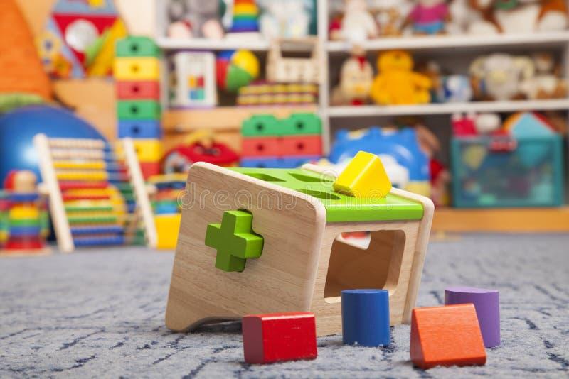 Ξύλινο παιχνίδι χρώματος διαλογέας στοκ φωτογραφία