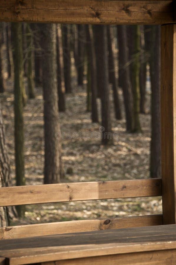 Ξύλινο προφυλαγμένο πεζούλι στοκ εικόνες