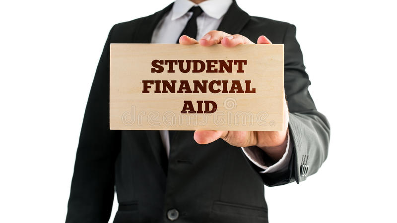 Ξύλινο σημάδι που λέει τη οικονομική βοηθό σπουδαστών στοκ φωτογραφία με δικαίωμα ελεύθερης χρήσης