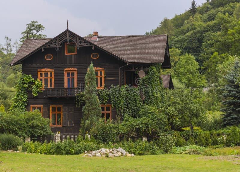 Ξύλινο σπίτι στοκ φωτογραφίες