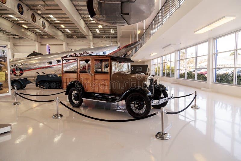 Ξύλινο το 1929 Ford διαμορφώνει ένα βαγόνι εμπορευμάτων σταθμών στοκ φωτογραφία με δικαίωμα ελεύθερης χρήσης