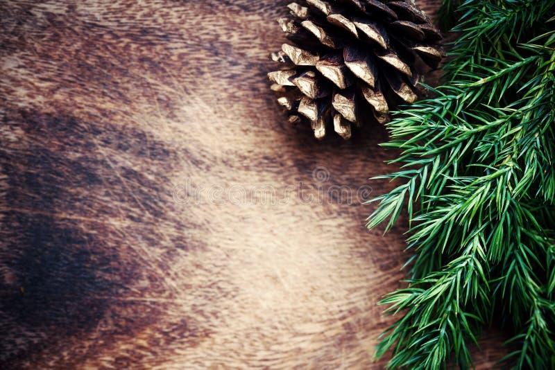 Download Ξύλινο υπόβαθρο Χριστουγέννων με το διάστημα δέντρων και αντιγράφων έλατου για το γ Στοκ Εικόνα - εικόνα από έξυπνο, δείγμα: 62701755