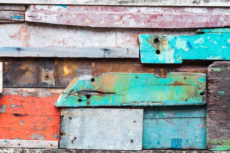 Ξύλινο υλικό υπόβαθρο για την παλαιά εκλεκτής ποιότητας ταπετσαρία για το υπόβαθρο, εκτεθειμένο ξύλινο εξωτερικό τοίχων στοκ εικόνα