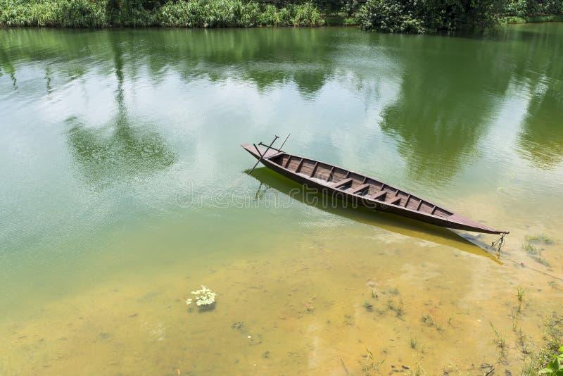 Ξύλινο Sampan στοκ φωτογραφίες