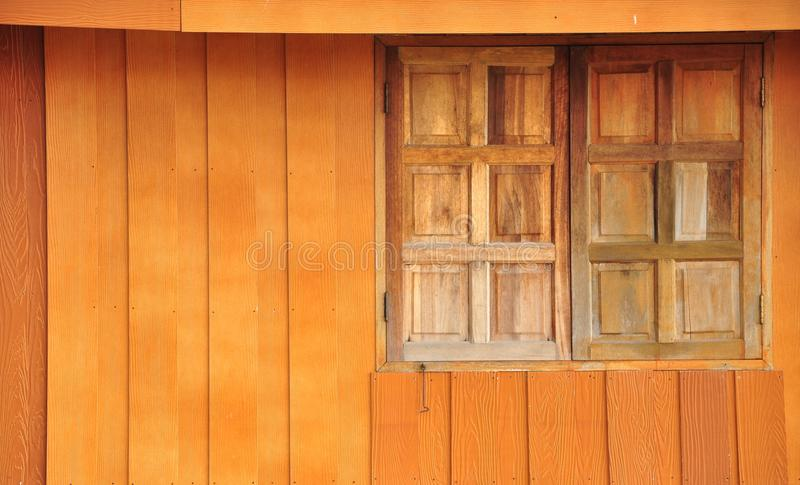 Ξύλο με το παράθυρο στοκ εικόνες με δικαίωμα ελεύθερης χρήσης