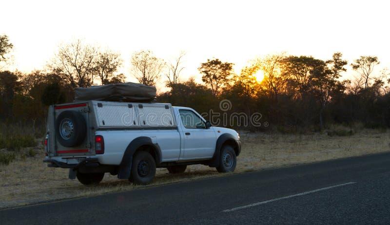 Οδήγηση ανοιχτών φορτηγών στη Μποτσουάνα στοκ φωτογραφία